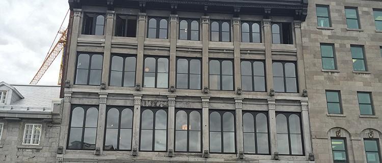 Commercial travaux extérieur : Corniches et fenêtres